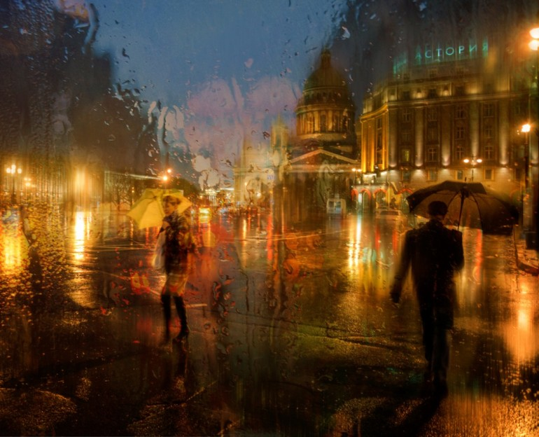 pluie-rue-st-petersbourg-01-1080x876