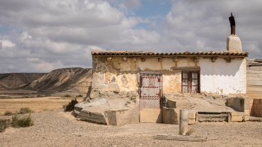 Içi, non loin de la Cheminée de Fée qui figure sur la première photo de l'article, une remise agricole ... peut-être la plus photographiée.